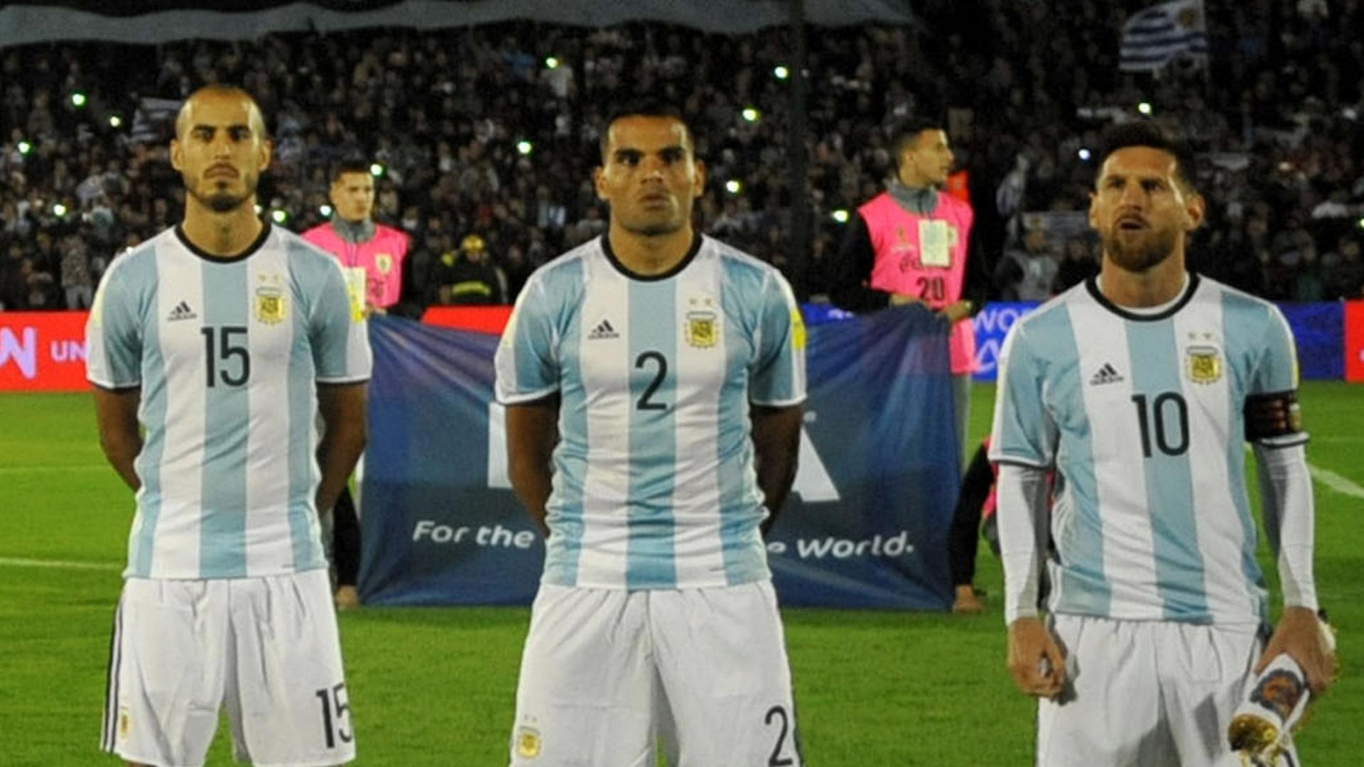 Mercado Pizarro Messi Argentina