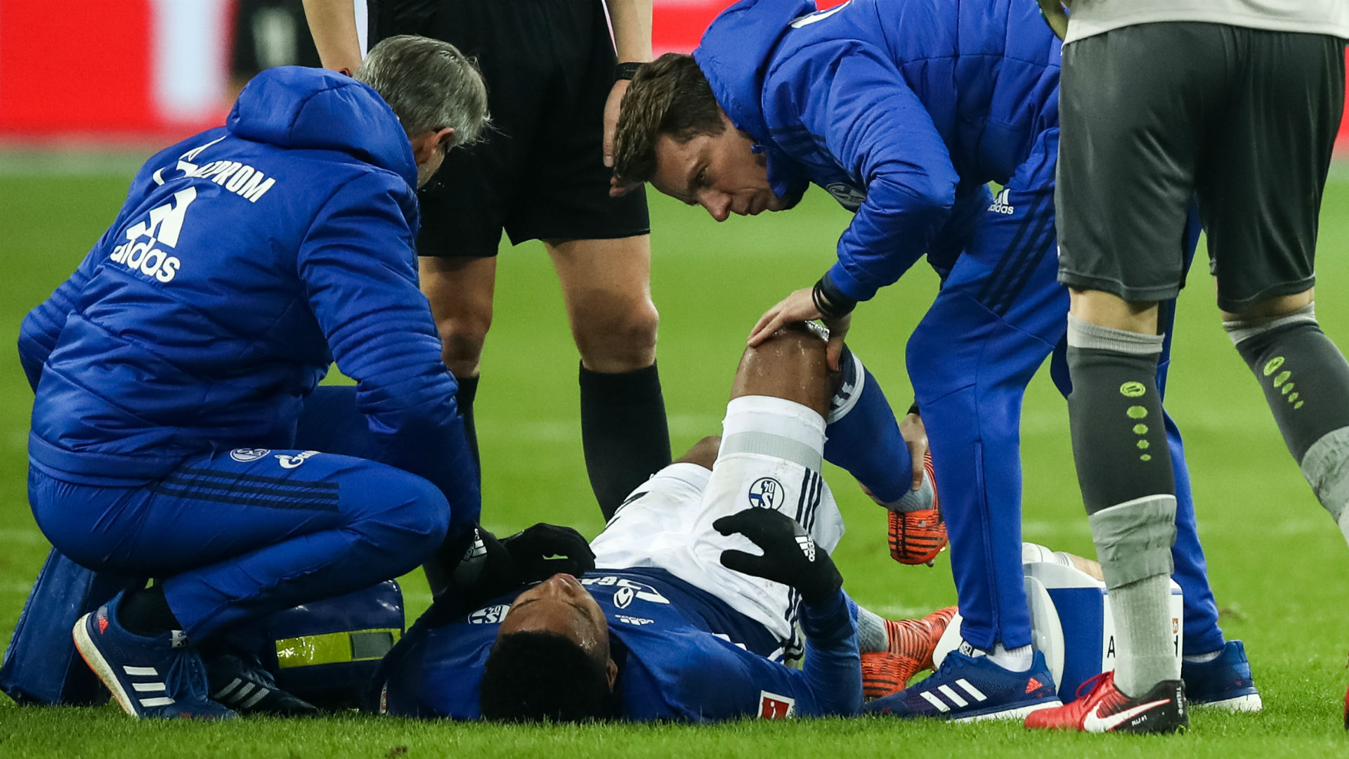 Schalke's Weston McKennie injured against Bayern Munich