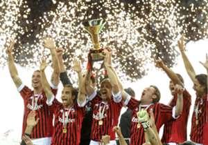 17日にセリエA第28節、ミランvsインテルのミラノ・ダービーが開催される。ここ数年に中位に低迷したこともあった両名門だが、今回のダービーは3位と4位という上位で相まみえることになっている。『Goal』では、復権への道を進む両クラブの前回セリエA優勝時のチームをダービー前に振り返る。今回は、セリエAを最後に制したのが2010-11シーズンとなるミラン編だ。