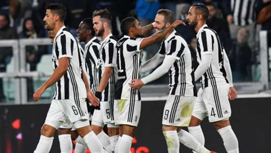 Juventus celebrates Douglas Costa goal against Genoa