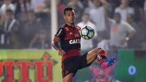 Miguel Trauco Santos Flamengo Copa do Brasil 26072017
