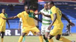Cliff Nyakeya of Mathare United v Nzoia Sugar.