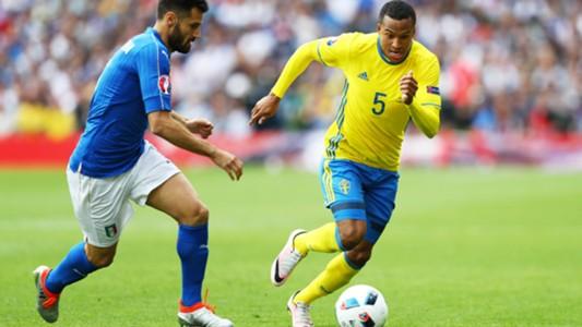 Antonio Candreva Martin Olsson Italy Sweden Euro 2016