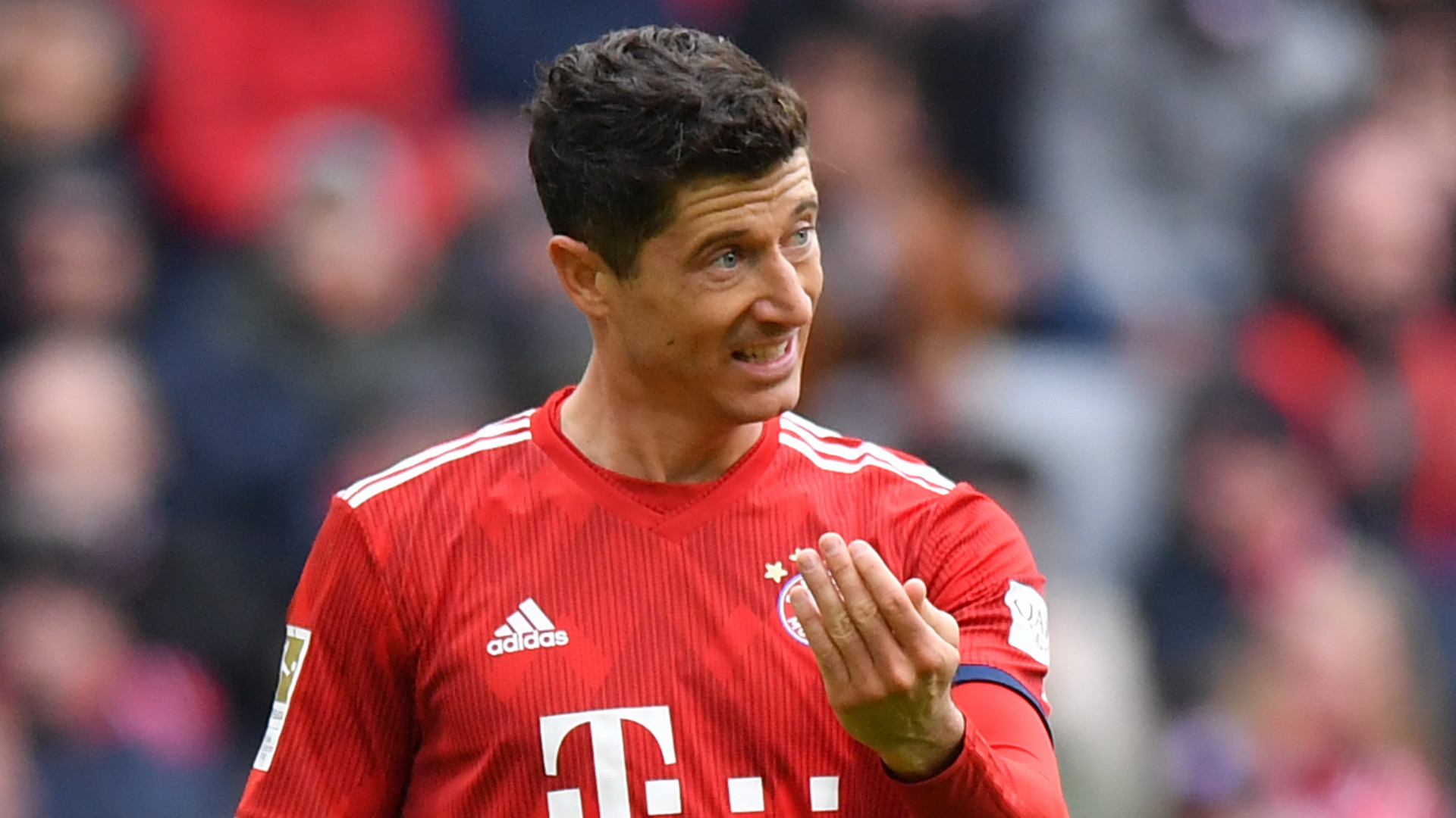 robert-lewandowski-bayern-munich-2018-19