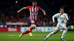Gabi Fernandez Luka Modric Atletico Real Madrid LaLiga 18112017