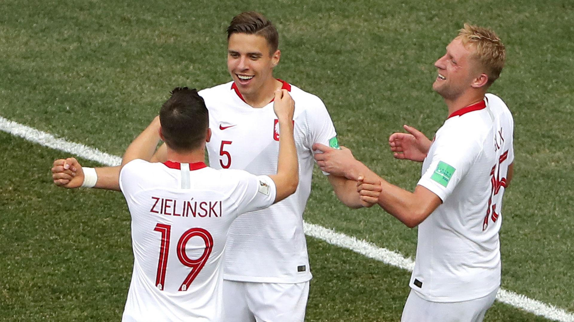 Poland celebrate vs Japan World Cup 2018