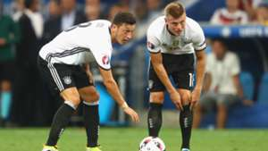 Toni Kroos Mesut Ozil Germany