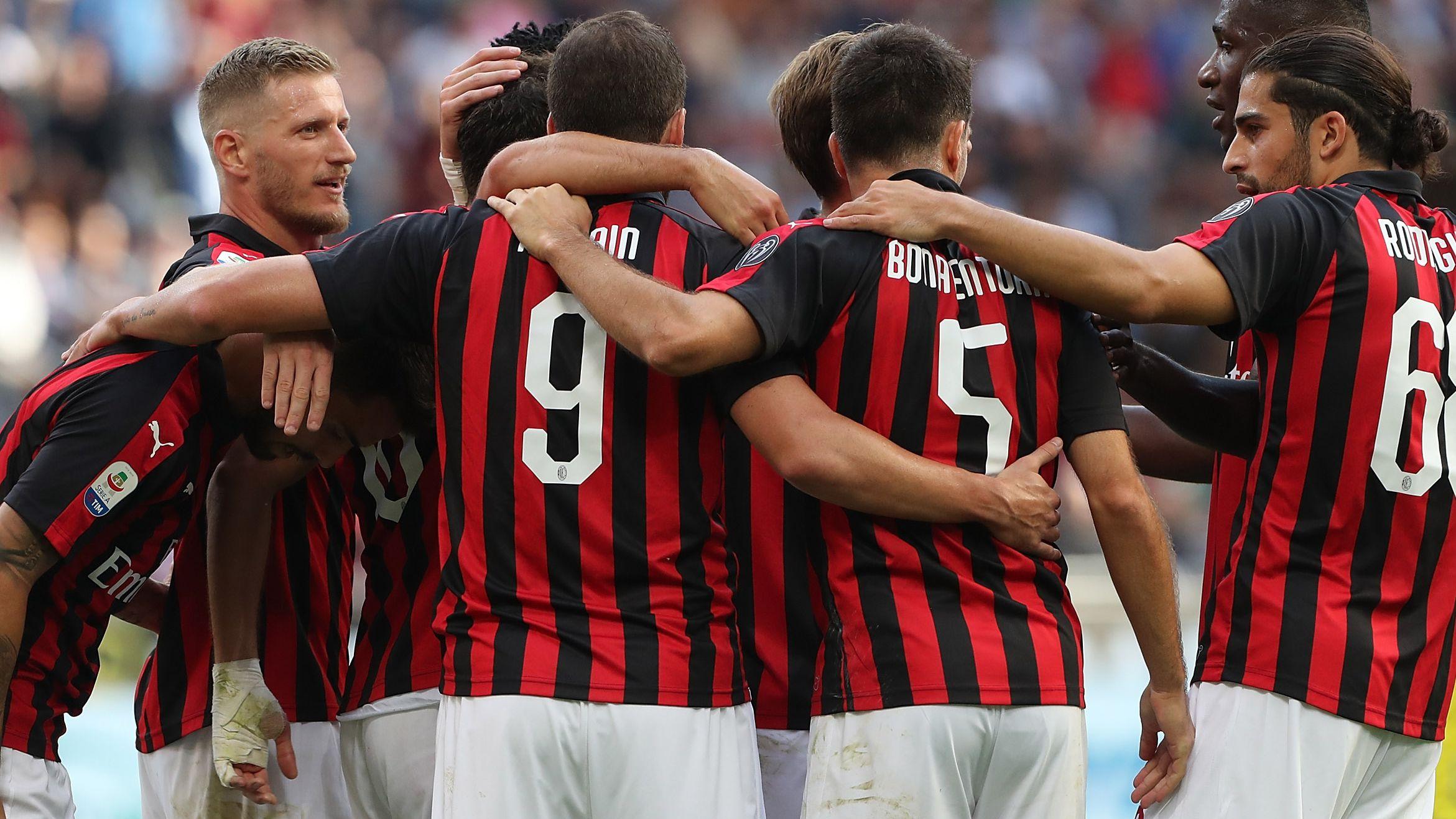 Milan celebrating Chievo