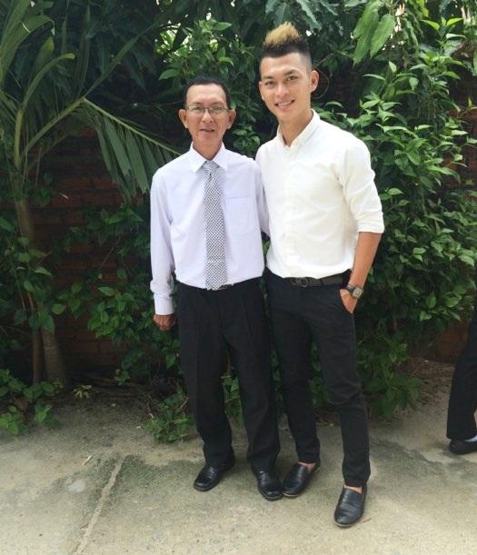 Cha con Nguyễn Đình Nhơn