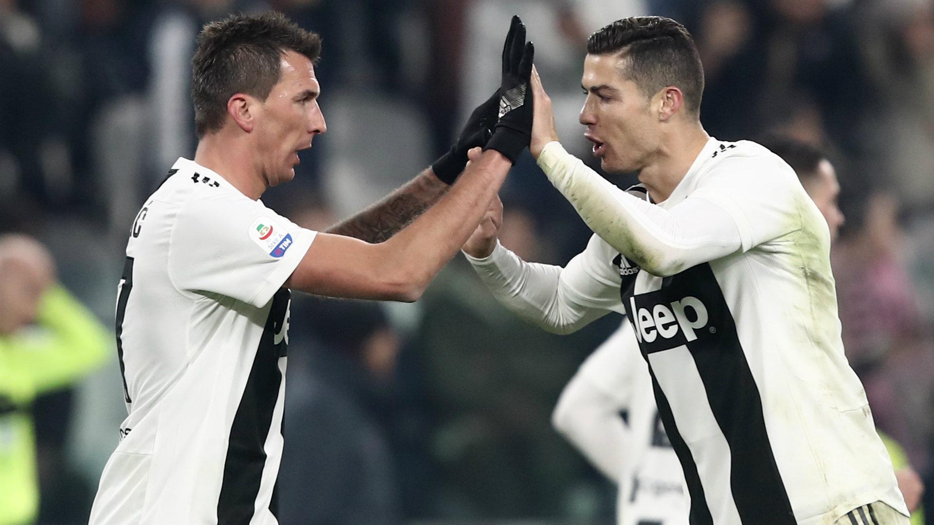 Mario Mandzukic Cristiano Ronaldo Juventus vs Roma Serie A 2018-19