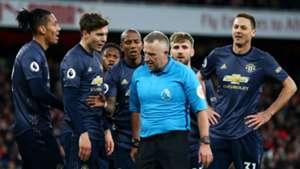 Manchester United Arsenal Ashley Young Nemanja Matic Victor Lindelof Chris Smalling 100319