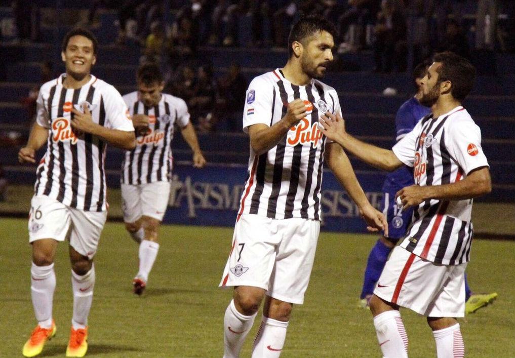 Universal con la doble transmisión de Peñarol y Nacional por Libertadores