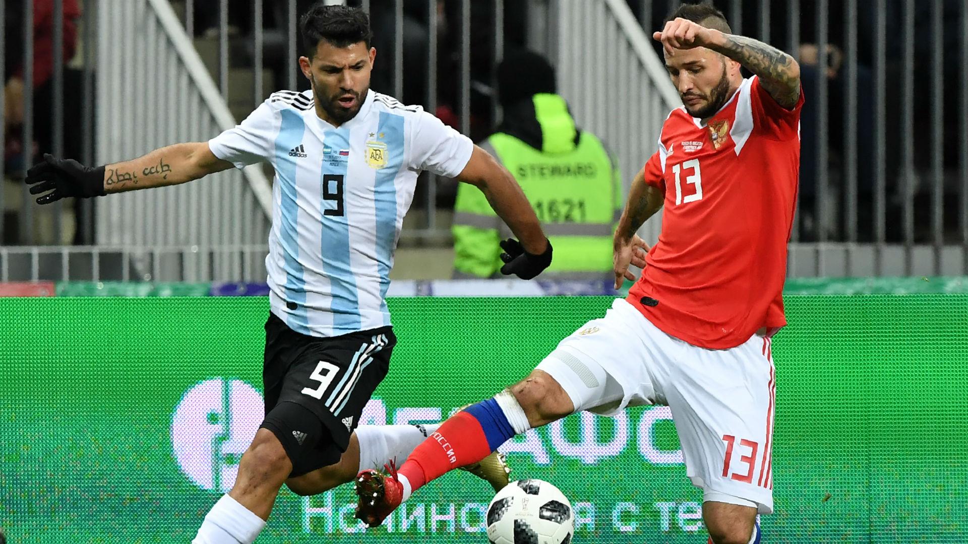 Agüero y Fedor Kudryashov. Rusia Argentina 11112017