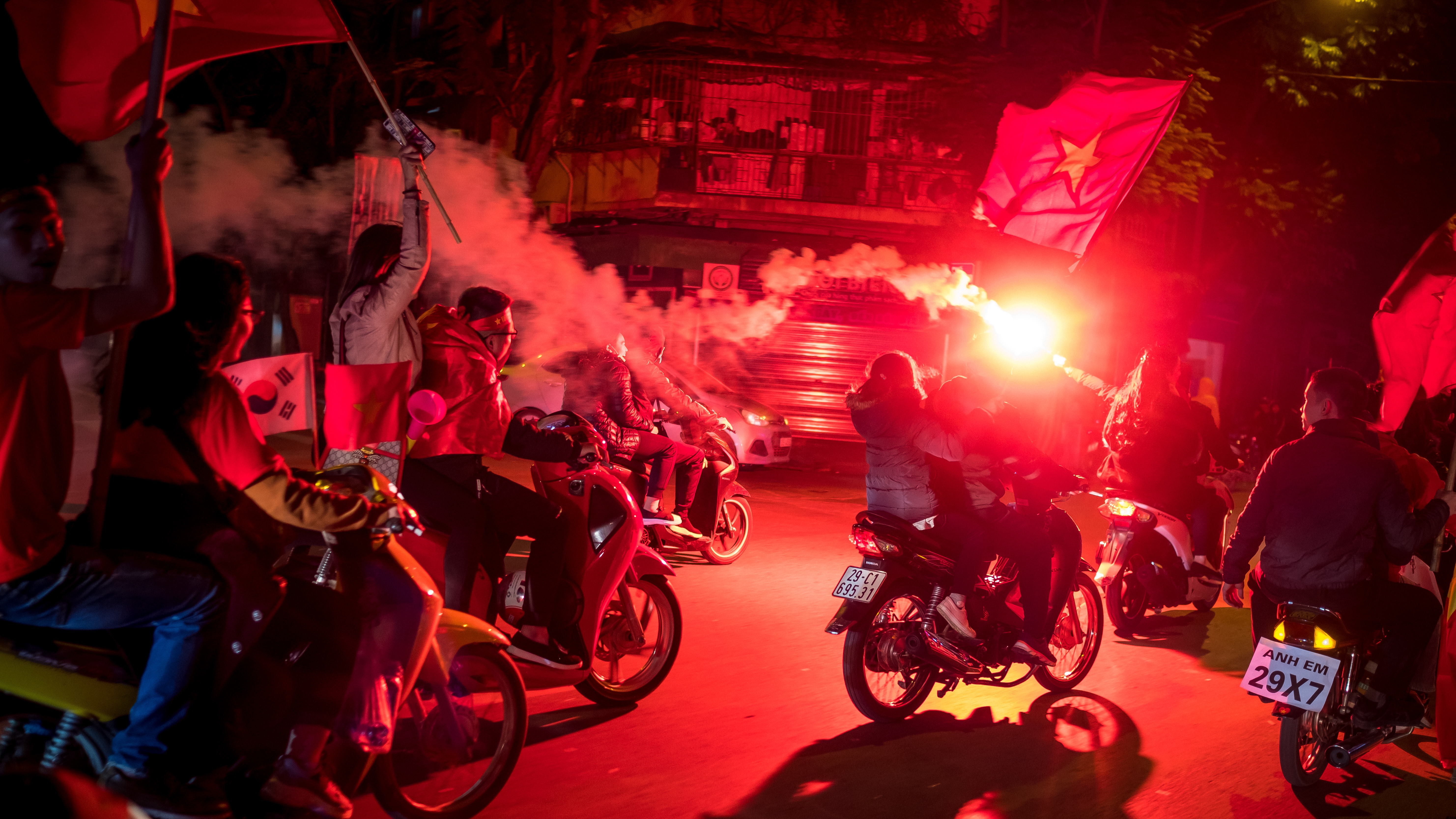 Vietnam fans celebrate on the streets Vietnam Malaysia AFF Cup 2018