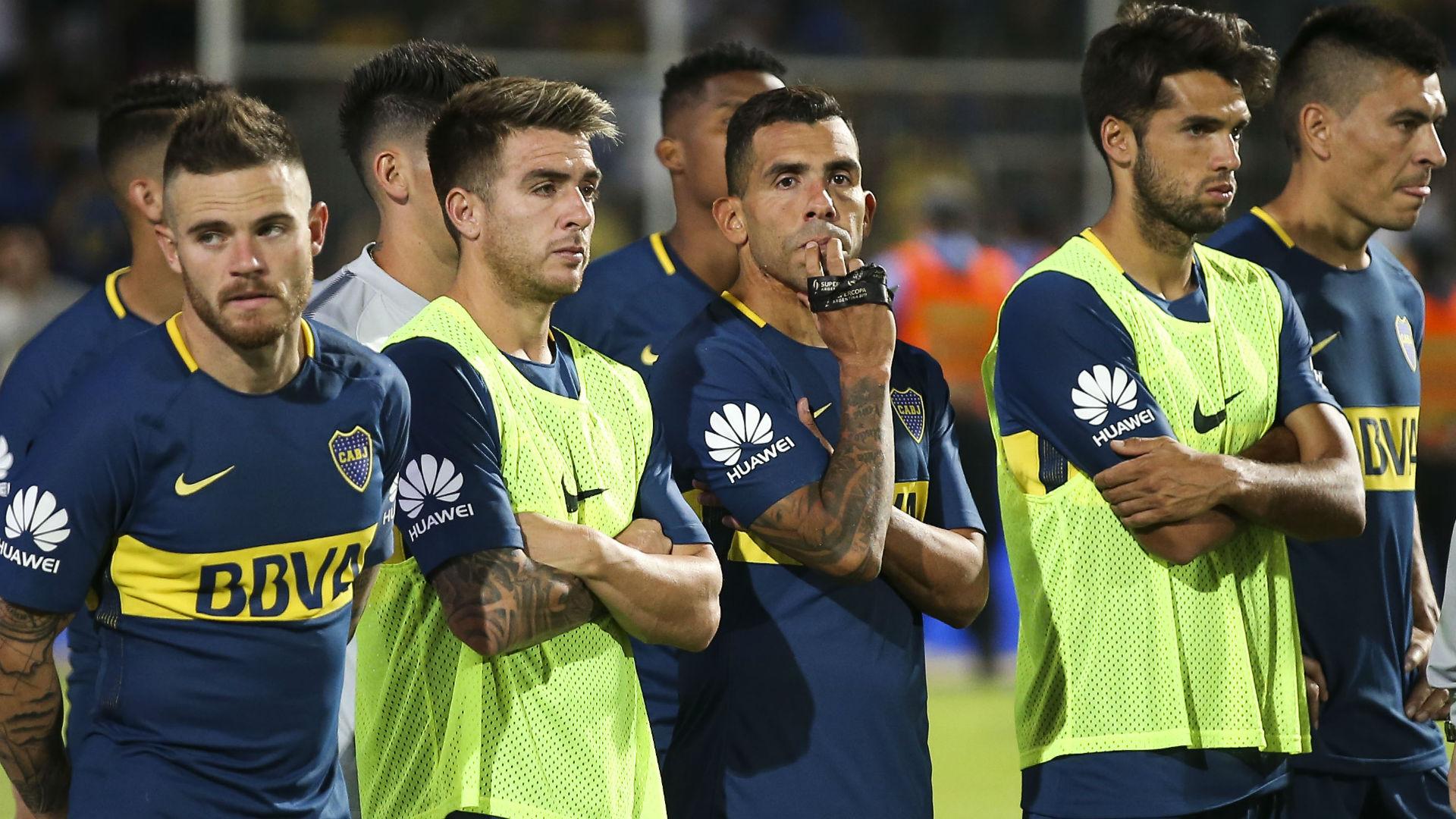 Se lesionaron Tevez y Cardona — Problemas en Boca