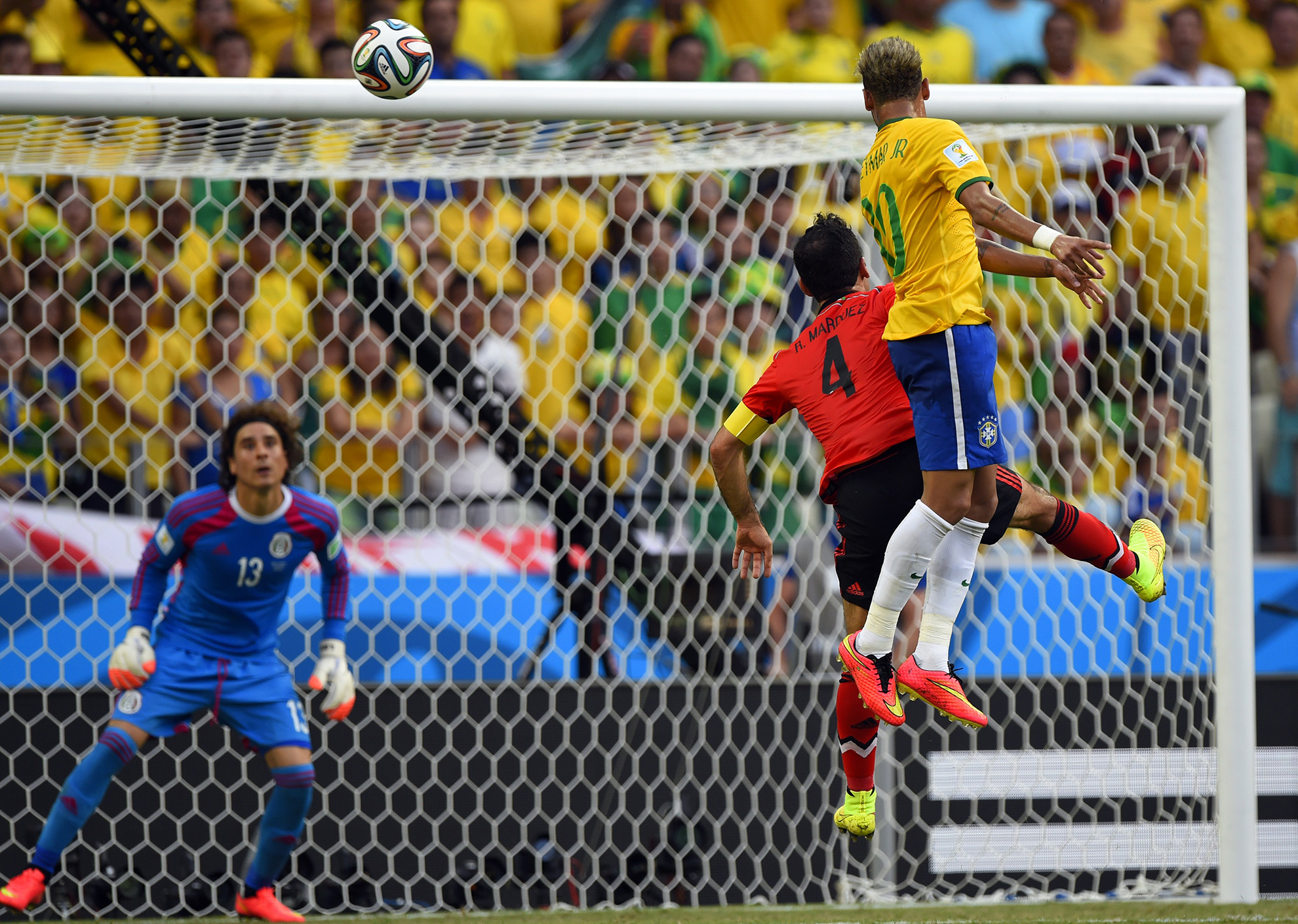 Memo Ochoa Neymar