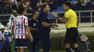 Luis Fernando Suárez discute con cuarto árbitro Copa Libertadores 2019