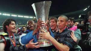 Inter Mailand UEFA CUP Ronaldo 06051998