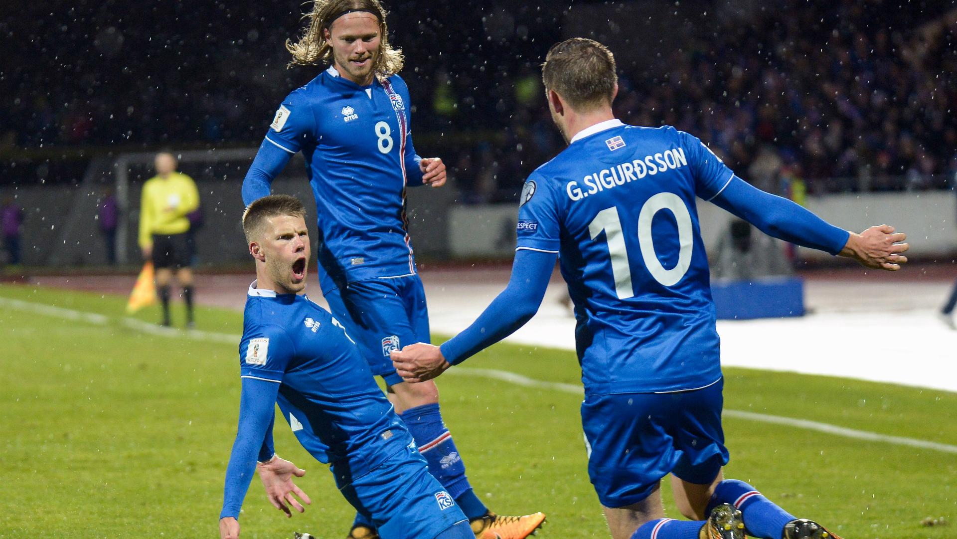 Johann Berg Gudmundsson Gylfi Sigurdsson Iceland Kosovo