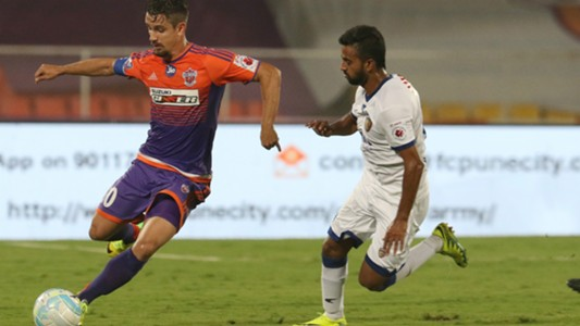 Marcelinho Bikramjit Singh FC Pune City Chennaiyin FC ISL 4 12032017