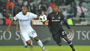 Ben Motshwari of Orlando Pirates tackles Gift Motupa of Bidvest Wits, August 2018