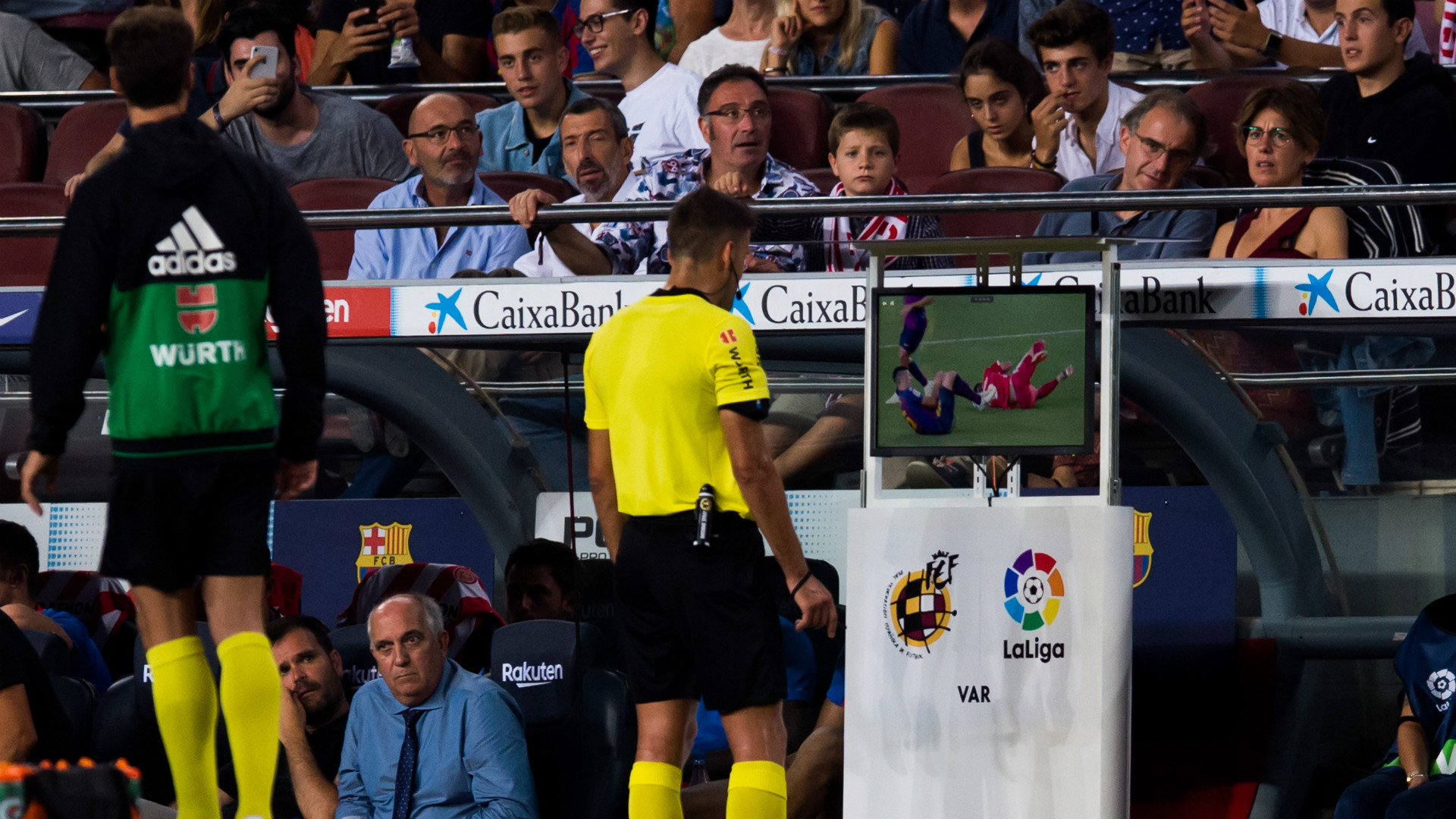 Clement Lenglet red card Barcelona Girona