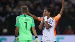 Germany hand Netherlands lifeline with dreadful defensive display