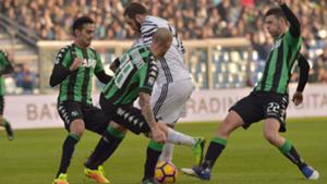 Paolo Cannavaro Gonzalo Higuain Sassuolo Juventus