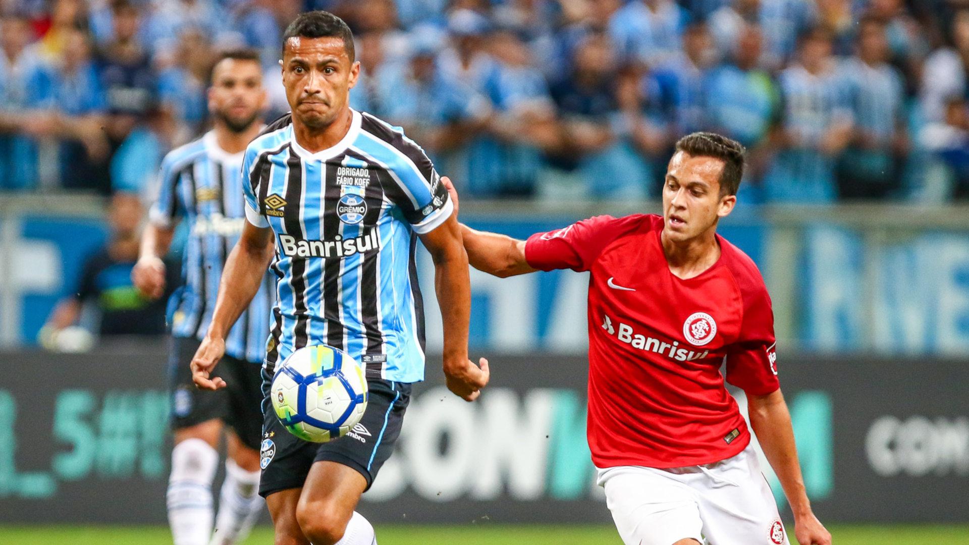 Jogadores do Internacional avaliam empate contra o Grêmio com ... f641ee7f7223f
