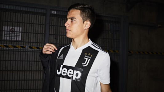 Paulo Dybala Juventus home kit 2018/2019