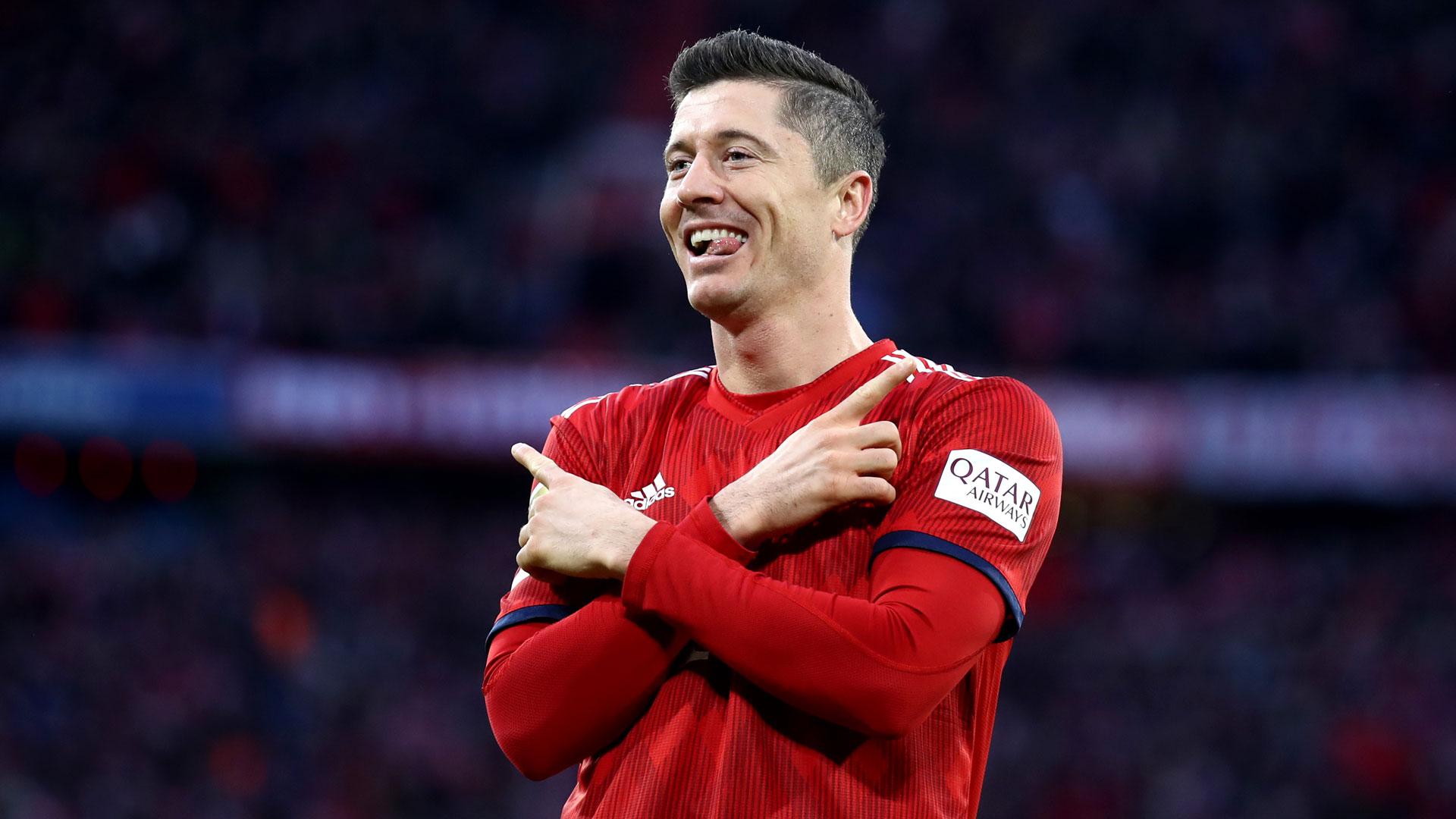 Robert Lewandowski FC Bayern München Torjubel