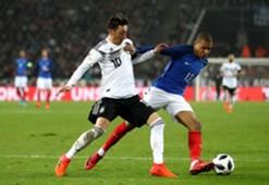 Mesut Ozil & Kylian Mbappe