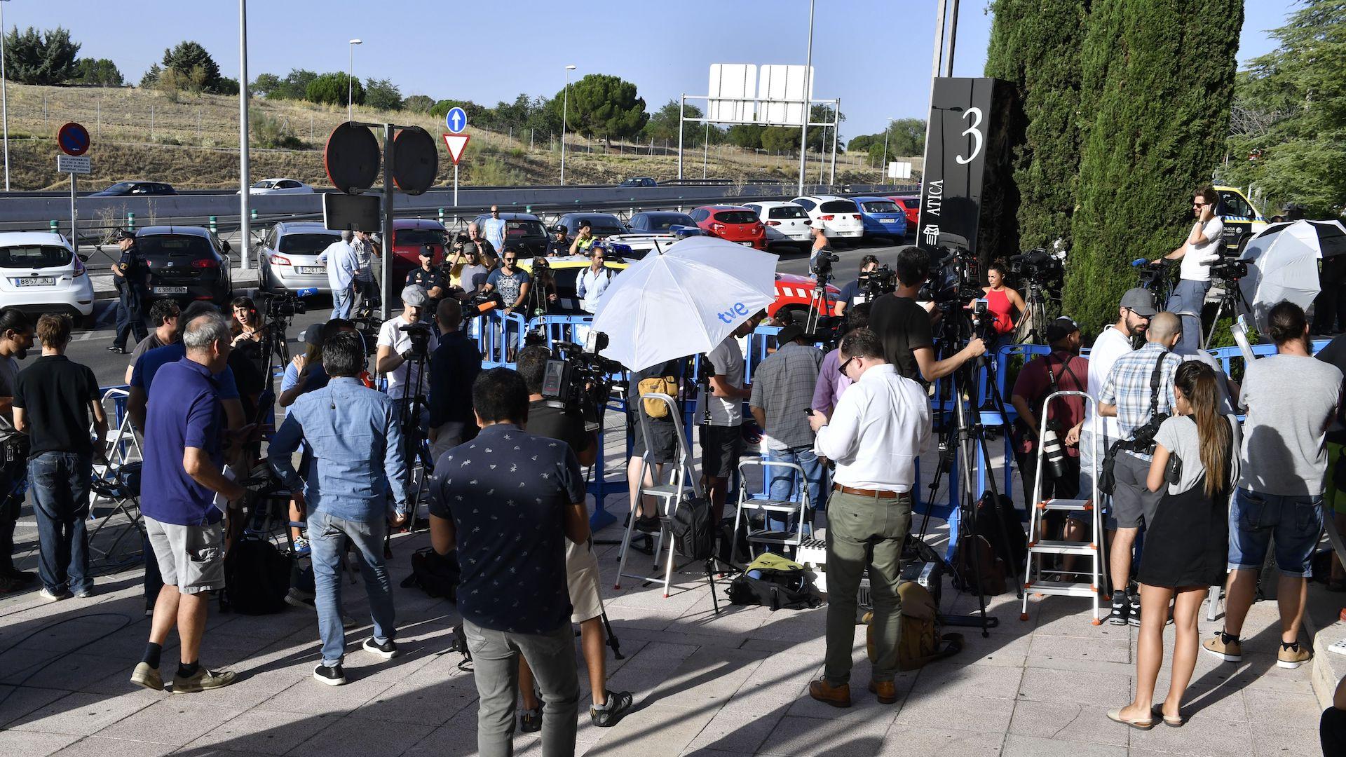 La prensa espera a Cristiano ronaldo