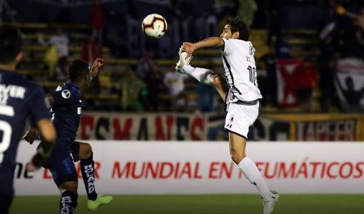 Colo Colo - Jorge Valdivia