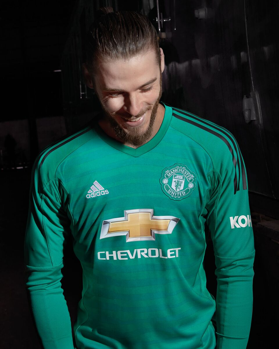 ... manchester united official kit 2018 2019 df3ab0790b860