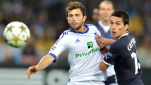 031012 Admir Mehmedi  FC Dynamo Kiev  Bryan Carrasco GNK Dinamo Zagreb UEFA Champions League