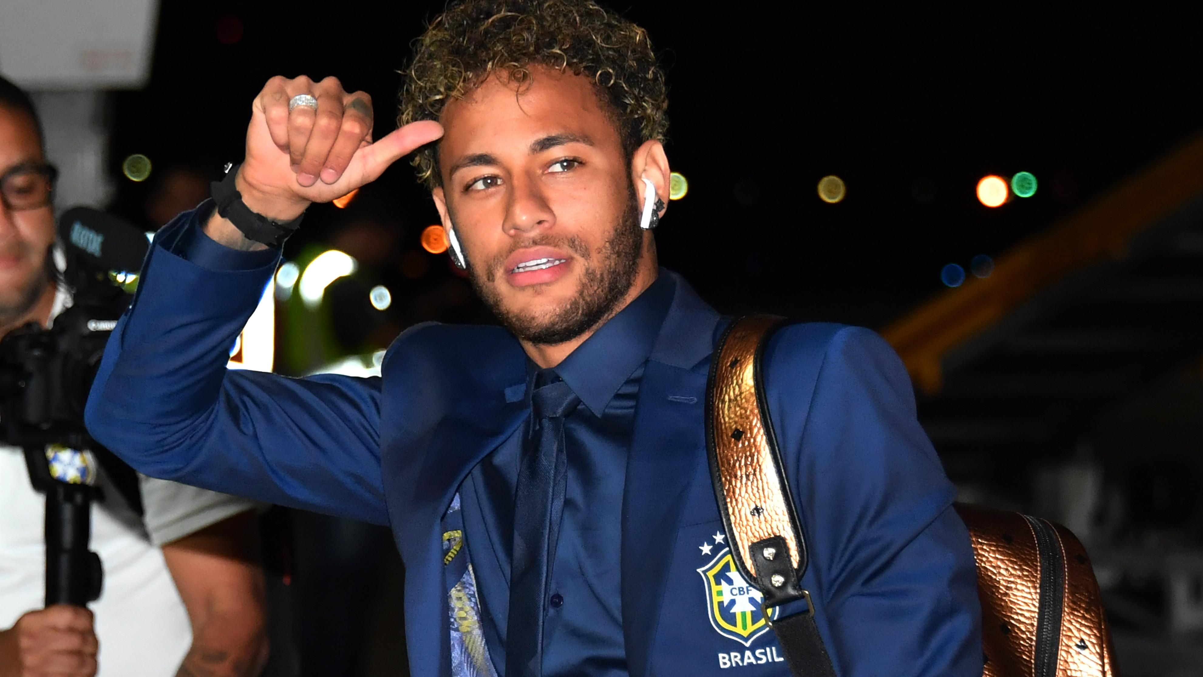 Neymar - Brasil - Desembarque - Copa do Mundo - 10/06/2018