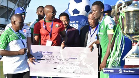 Gor Mahia receive cheque.