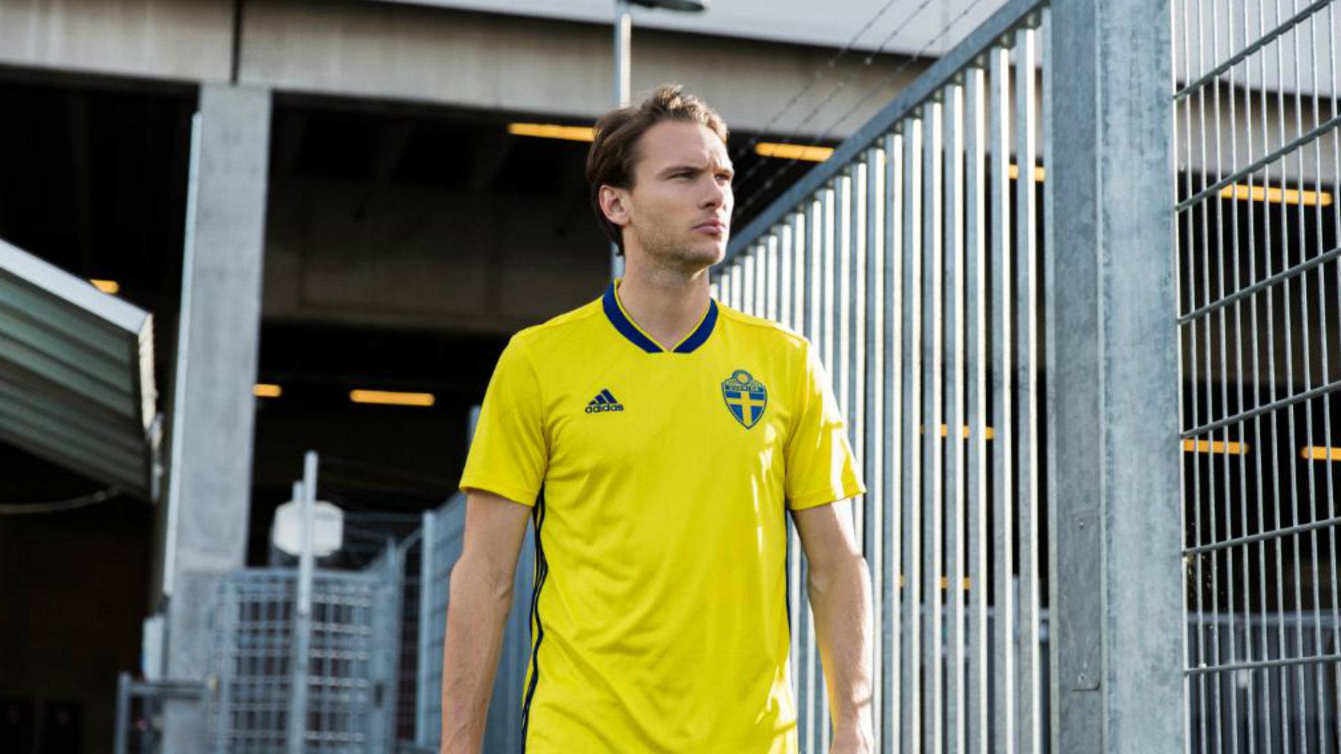 Sweden home kit 2017-18