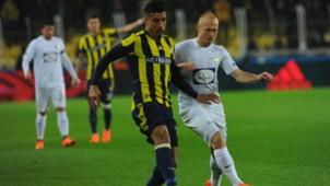 Nabil Dirar Daniel Larsson Fenerbahce Akhisarspor 03042018