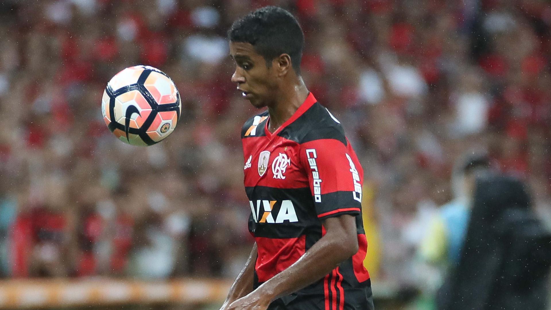 Gabriel Flamengo Atletico-PR 12042017