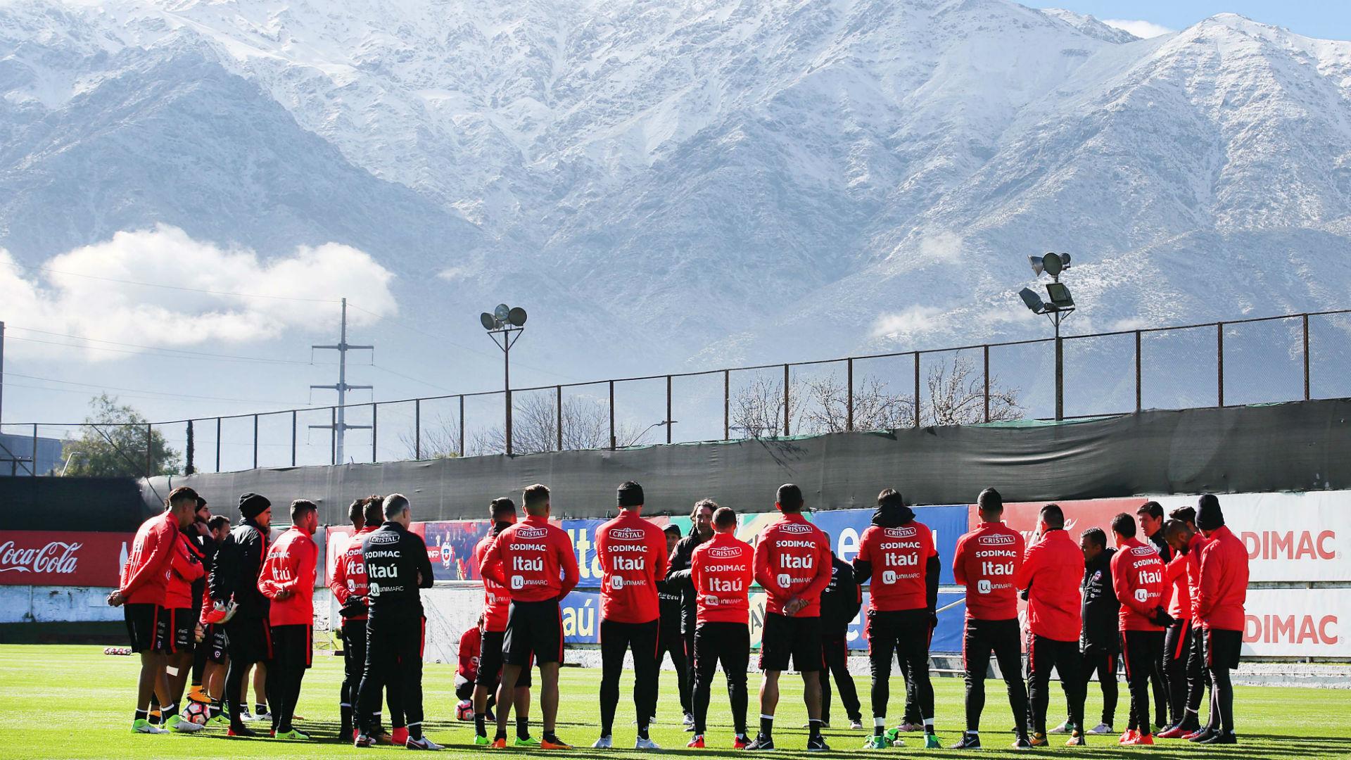 Arturo Vidal en su arribo a Chile: