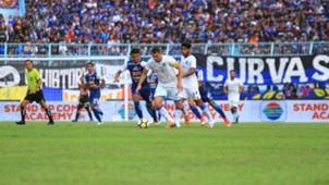Arema FC vs Persela Lamongan