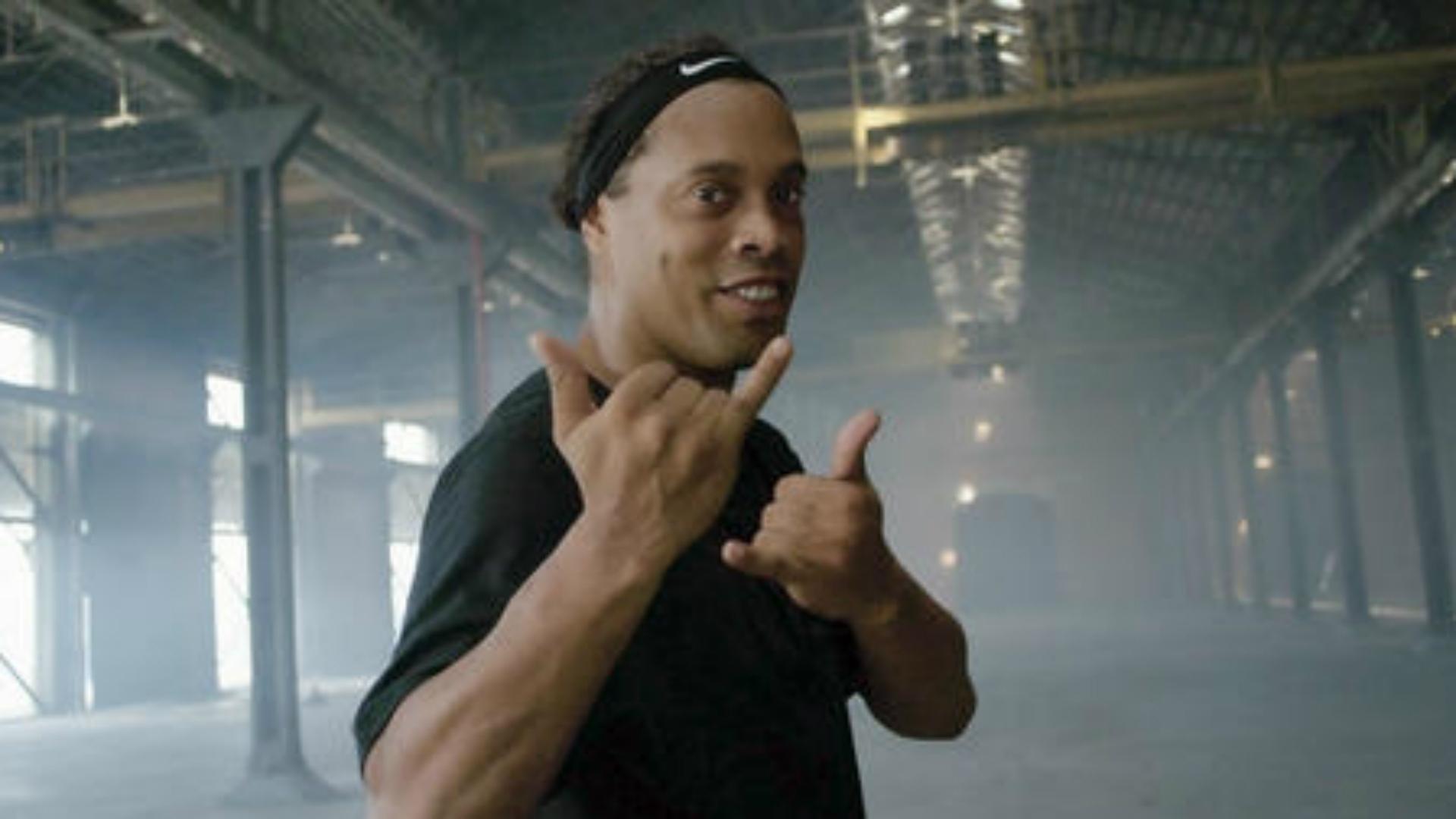 Ronaldinho s'apprêterait à épouser deux femmes en même temps — Jouisseur jusqu'au bout