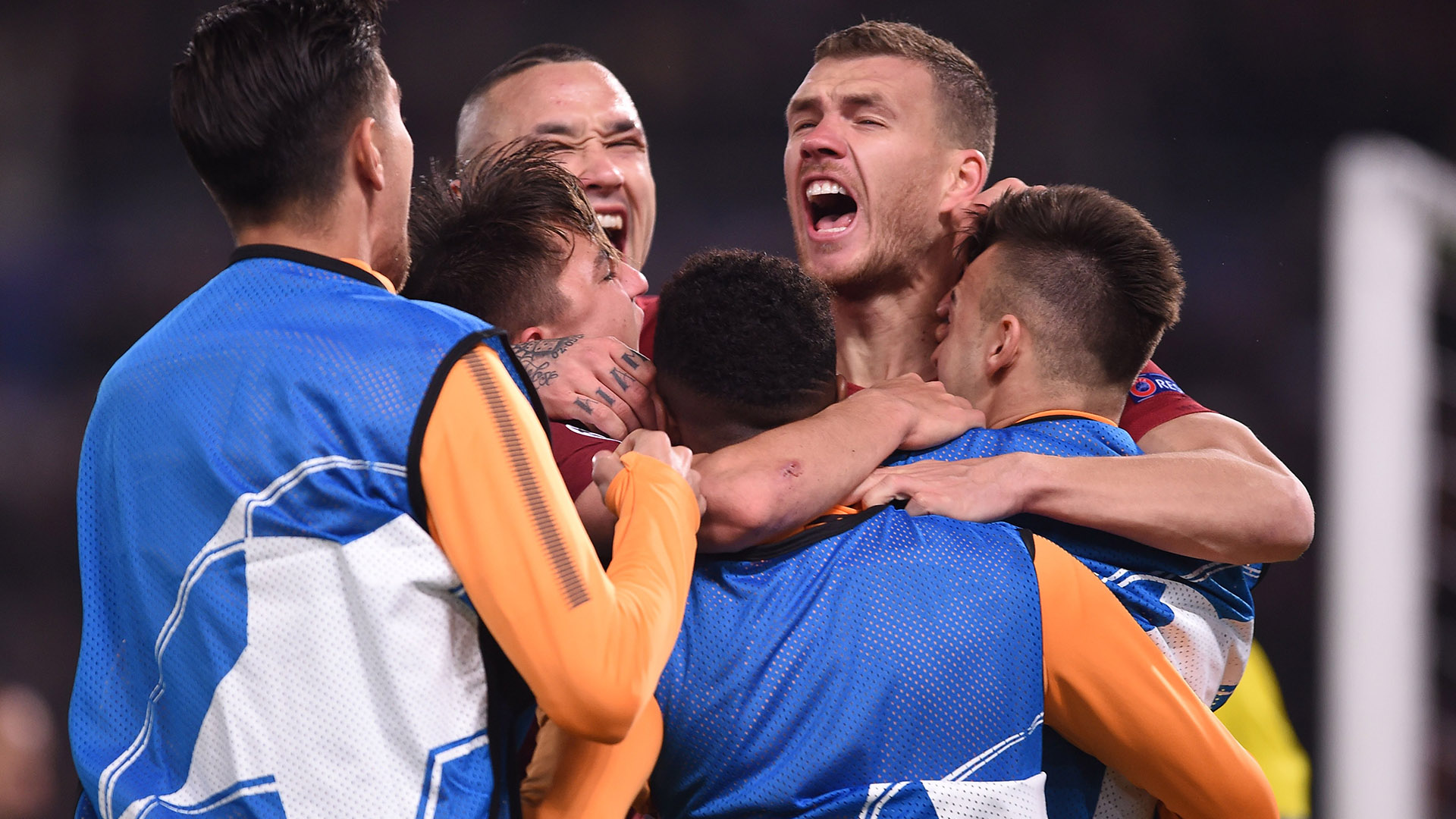 Roma celebrating vs Shakhtar Champions League