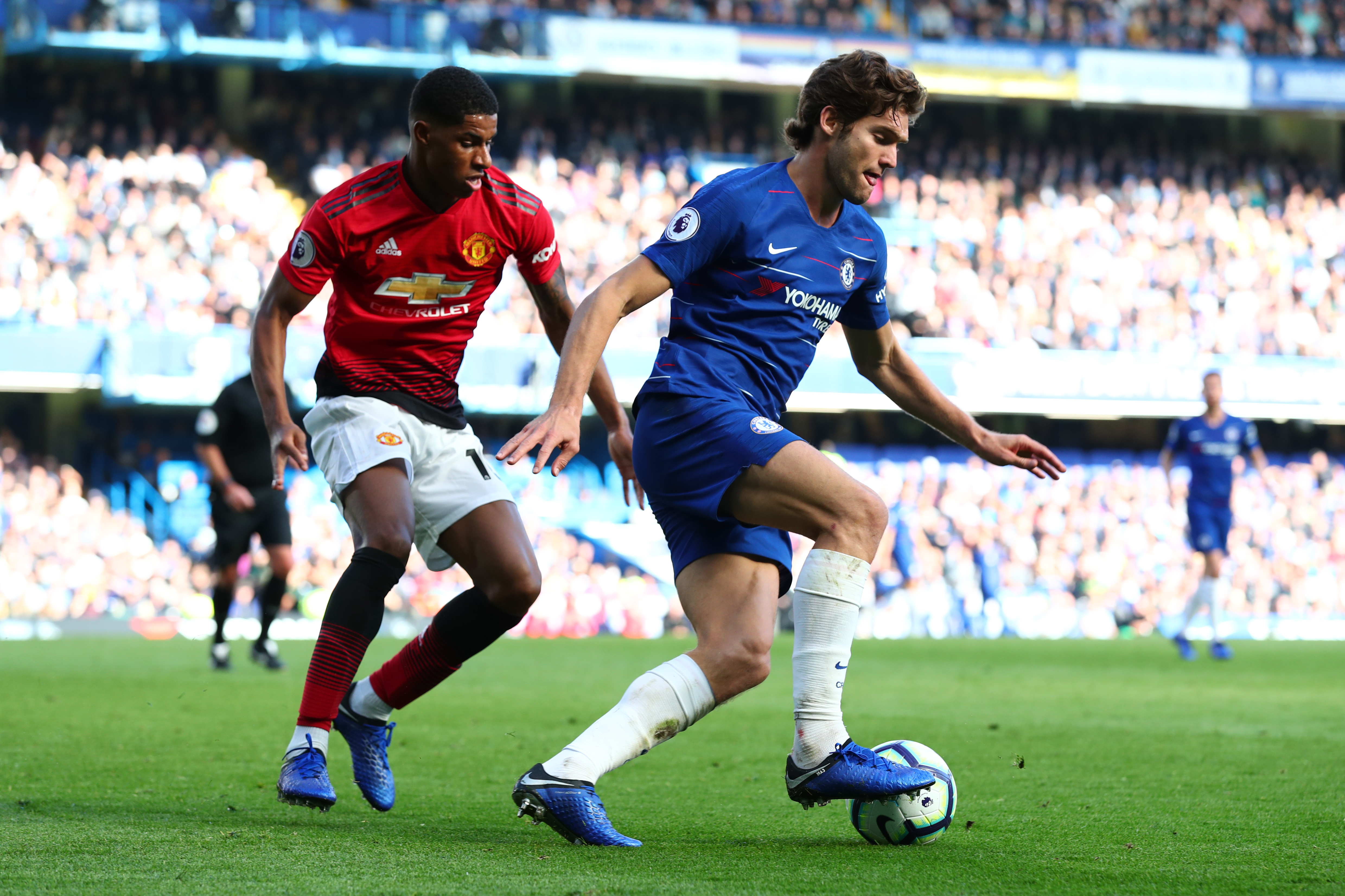 Marcus Rashford Marcos Alonso Chelsea Manchester United Premier League 10/20/18