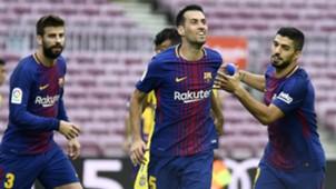 Sergio Busquets Gerard Pique Luis Suarez Barcelona Las Palmas LaLiga 01102017