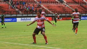 Selebrasi Bayu Gatra - Madura United & PS TIRA