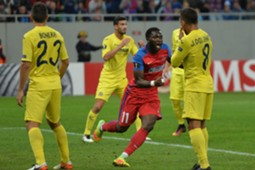 Muniru Sulley (C) of Steaua Bucharest