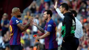 Lionel Messi Arturo Vidal Barcelona Athletic LaLiga 29092018